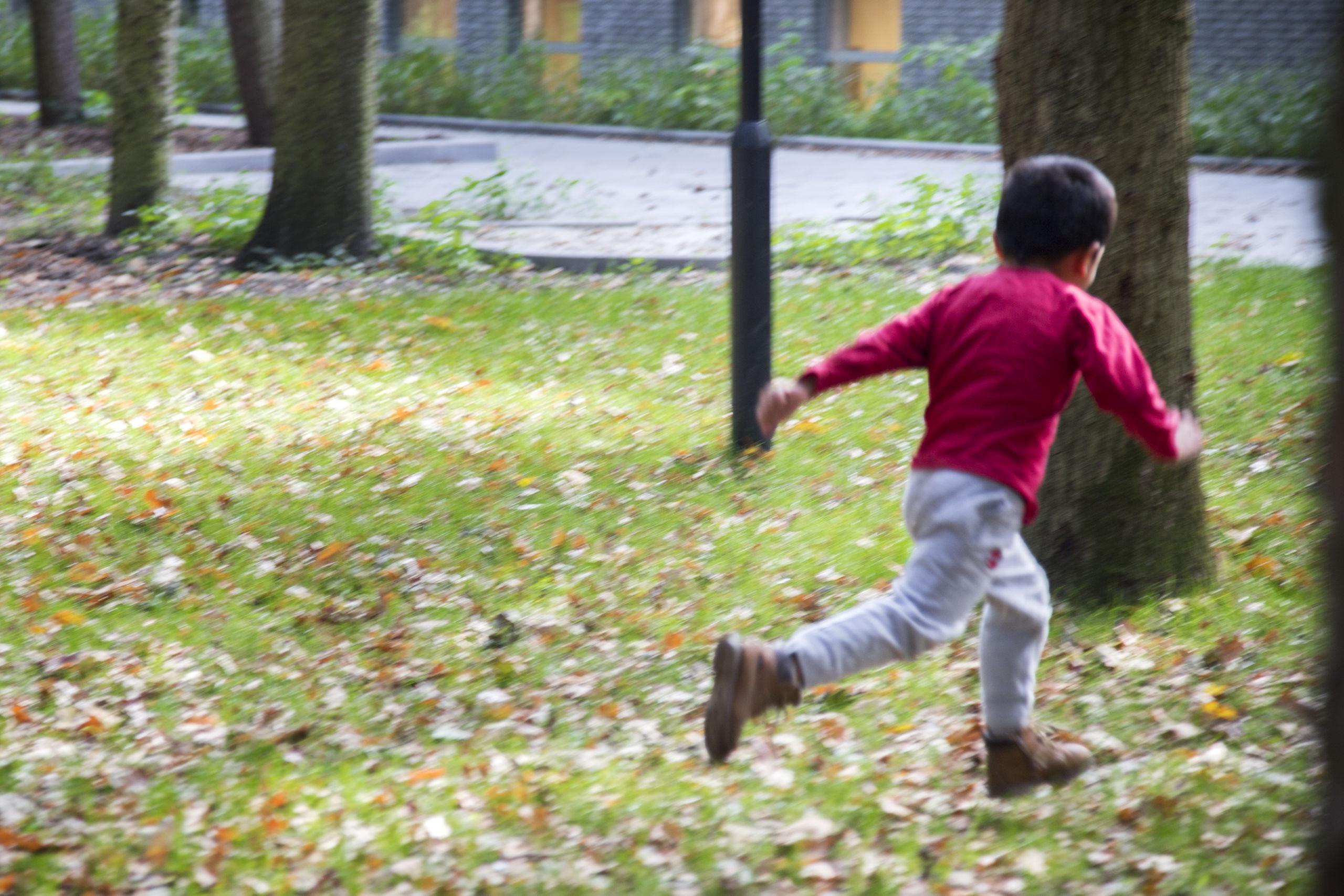 spelende kinderen bij Sterk Huis