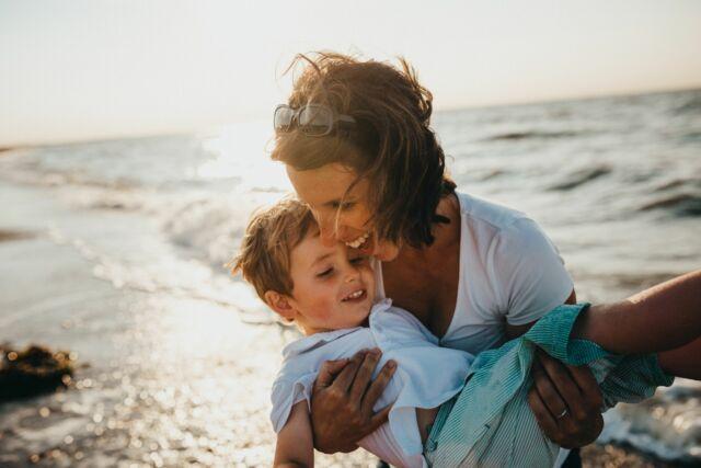 moeder en kind foto
